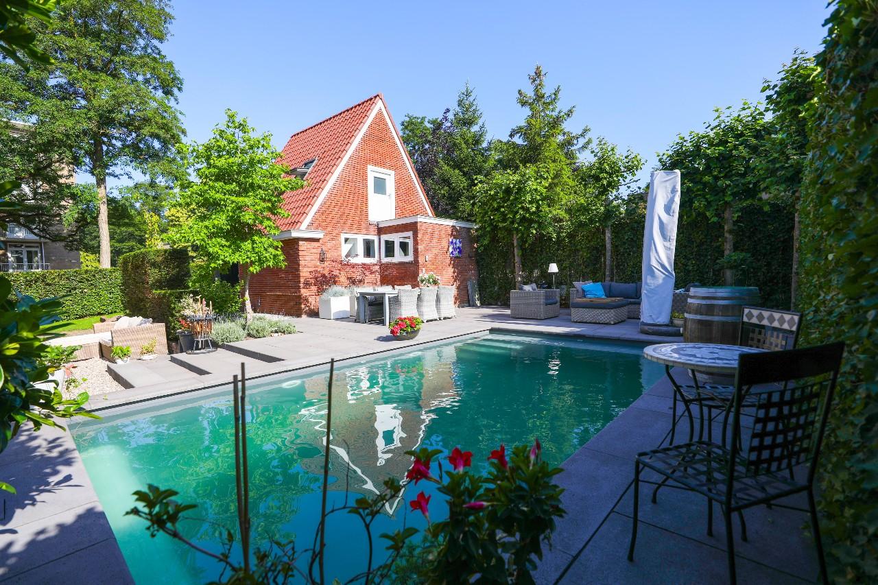 Pool and garden Appartement Klein Waldeck